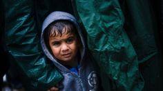 Migrant crisis: Merkel condemns closure of Balkan route - BBC News