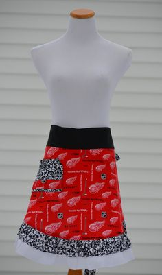 Detroit Red Wings Apron Homemade Women's by pieshomecreations