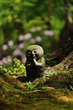 Jizo statue at Sanzen-in temple, Kyoto, Japan.  Photography by Kenny on Ganref