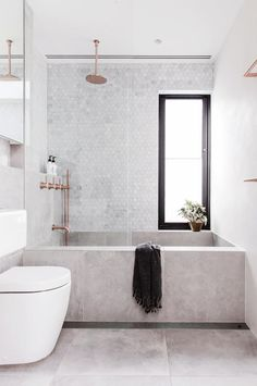concrete bathtub and tile backsplash in modern sydney bathroom via inside out magazine. / sfgirlbybay concrete bathtub and tile backsplash in modern sydney bathroom via inside out magazine. Bathroom Inspiration, Minimalism Interior, Concrete Bathtub, Bathroom Interior, House Interior, Small Bathroom, Bathrooms Remodel, Bathroom Decor, Bathroom Design
