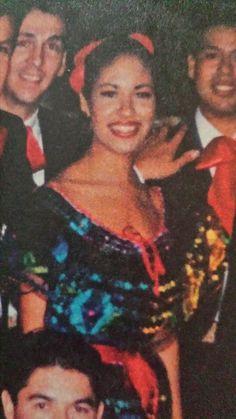 Rare pics of Selena. Photographer unknown.