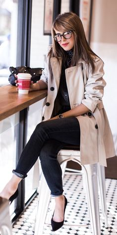 #spring #outfit /  Cream Trench / Black Denim / Black Knit / Black Pumps