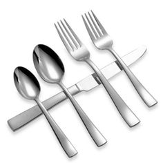 Michael Lloyd Serene Flatware Place Setting - This beautiful stainless steel flatware with a contemporary shape and classic style easily complements any dinnerware pattern. Set includes dinner fork, dinner knife, soup spoon, salad fork and teaspoon. Modern Flatware, Gold Flatware, Flatware Set, Cutlery, Stainless Steel Dishwasher, Stainless Steel Flatware, Oneida Flatware, Flatware Storage, Miller Homes