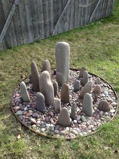 Garden stone circle: 26 Fabulous Garden Decorating Ideas with Rocks and Stones