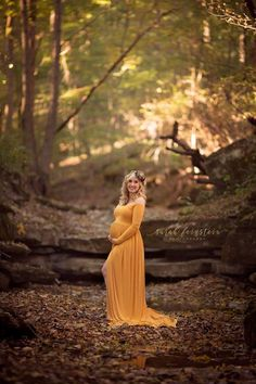 Here at Sexy Mama Maternity, we love fall (I mean, what's not to love? Here are some of our favorite fall maternity dresses.