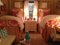 Ole Miss Dorm Room p.s. @ Nat- this reminds me of that dress you have..........just saying......... okay bye