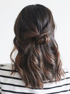 15 Effortlessly Cool Hair Ideas to Try This Summer Cute easy casual hairstyles inspiration. Half up hair ideas. Half up ponytail braid. Hair twisted back into a half up hairstyle. - Unique World O Easy Casual Hairstyles, Twist Hairstyles, Pretty Hairstyles, Summer Hairstyles, Hairstyle Ideas, Makeup Hairstyle, Running Late Hairstyles, Balayage Hairstyle, Half Up Hairstyles Easy