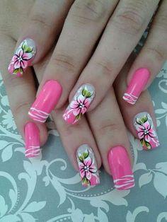 8 Very Pretty Floral Nails To Keep Your Nails Looking Pretty - Hashtag Nail Art Purple Nail Art, Red Acrylic Nails, Glitter Nail Art, French Tip Nail Art, French Manicure Nails, Spring Nails, Summer Nails, Hawaiian Nail Art, Vacation Nails