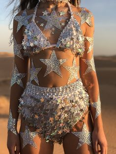 Coachella is the festival of all festivals! But going to such an amazing festival means you have to look the part too. Festival Looks, Festival Mode, Rave Festival, Festival Wear, Festival Fashion, Desert Festival, Festival Party, Burning Man Outfits, Burning Man Fashion