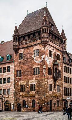 Nürnberg, Nassauer Haus oder Schlüsselfeldersche Stiftungshaus   Flickr - Photo Sharing!