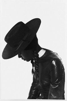 """I love hats with my hair braided. Look: Martine Manumalo photographed by Harper Smith and styled by Stephanie Strate for Fashion Gone Rogue's """"Shiloh"""" editorial. Gaucho, Photo Hacks, Elle Spain, Gone Rogue, Into The West, Tomboys, Le Far West, Shiloh, Looks Vintage"""