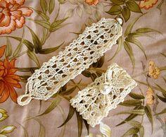 This wider lace bracelet measures - open - 21 cm, but can fit wrists from ca. 18 until 20 cm. Crochet Bracelet Pattern, Crochet Jewelry Patterns, Crochet Accessories, Bracelet Patterns, Crochet Earrings, Crochet Jewellery, Crochet Shoes, Crochet Purses, Love Crochet