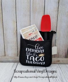 Taco Tuesday Pot Holder Oven Mit Personalized Oven Mit Taco Tuesday Fun gift or for yourself Diy Crafts To Sell, Fun Crafts, Creative Crafts, Vinyl Gifts, Craft Show Ideas, Cricut Creations, Vinyl Projects, Crafty Projects, Diy Christmas Gifts