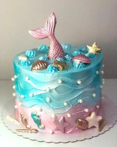 Migles, what wonderful cake is this on? Look at these chocolate details Mig . Migles, what a wonderful cake is this in? Look at these chocolate details 💗😍💜 Mermaid Birthday Cakes, Little Mermaid Birthday, Mermaid Cakes, Birthday Cake Girls, 9th Birthday, Birthday Parties, Cute Cakes, Pretty Cakes, Sirenita Cake