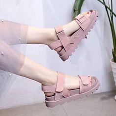 Fashion Sandals, Sneakers Fashion, Shoes Sandals, Beach Sandals, Heels, Pretty Shoes, Cute Shoes, Korean Shoes, Aesthetic Shoes