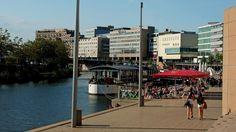 Nicht so warm wie letzte Woche, ... aber zum Eisessen und flanieren reicht die Sonne heute noch. Nicht nur in Saarbrücken. :-)