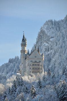 wonderous-monde: le château de Neuschwanstein: Schwangau, Bavière, Allemagne par Stephen Olsen