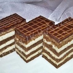 Gesztenyés mézes Tiramisu, Waffles, Sweets, Bread, Cookies, Baking, Breakfast, Cake, Ethnic Recipes