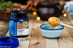 Na co pomaga miód Manuka Manuka Honey, Drink Bottles, Smoothie, Pure Products, Drinks, Blog, Smoothies, Drinking, Beverages