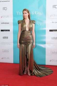 Transgender model and former RuPaul's Drag Race contestant Carmen Carrera, dishes on what it's like to be a trans woman in the dating world a new interview as she tries work on her marriage. Carmen Carrera, Transgender Model, Transgender People, Glamour Uk, Old Models, Rupaul, Hollywood Celebrities, Contemporary Fashion, Lady
