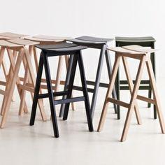 Copenhague bar stool by Hay. Design by Ronan & Erwan Bouroullec. Counter Height Table Sets, Pub Table Sets, Wooden Furniture, Furniture Design, Furniture Ideas, Patio Bar Set, Scandinavian Living, Nordic Design, Decorative Cushions