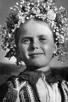 Dievčatko z Lúžnej, Liptov, Slovakia Europe Fashion, Fashion History, Flower Head Wreaths, Heart Of Europe, Draw On Photos, Principles Of Art, Folk Costume, Costumes, Fine Art Photo
