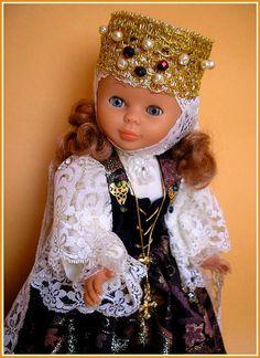Muñecas AMAVIB ... Mencía y Pelayo Nancy Doll, Doll Patterns, Baby Dolls, Quotations, Elsa, Doll Clothes, Cute, Baby Doll Clothes, American Girl Dolls