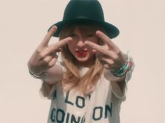 Taylor Swift 22, Taylor Swift Music Videos, Estilo Taylor Swift, Red Taylor, Taylor Swift Pictures, Feeling 22, Taylor Swift Wallpaper, 22 Years Old, Sex And Love