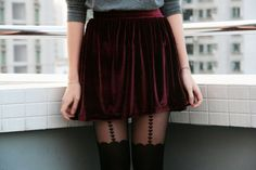 Velvet Skirt - Teen Fashion This is so pretty I love skirts, I just can't wear them only because I'm afraid to wear anything above my knees. Grunge Fashion, Look Fashion, Teen Fashion, Autumn Fashion, Fashion Beauty, Fashion Edgy, Fashion Trends, Glam Rock, Estilo Glam