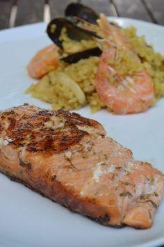 Pavé de saumon mariné à la Plancha et riz façon paella de notre partenaire blogeuse Mignardises and Co