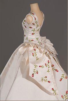 Miniature replicas by Vinilla Burnham.  The Little Costume Shop: Spring is Sprung!