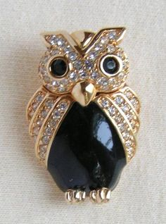 . Vintage Owl Brooch