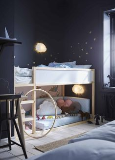 Children grow quickly and our bed can grow together with them. This low bed transforms into a high loft so that you can give your not-so-little ones, a little more privacy. Cama Ikea Kura, Ikea Bunk Bed Hack, Kura Bed, Montessori Ikea, Sibling Bedroom, Diy Toddler Bed, Ideas Habitaciones, Modern Kids Bedroom, Bed Tent