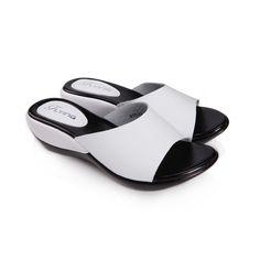 $33.80 (Buy here: https://alitems.com/g/1e8d114494ebda23ff8b16525dc3e8/?i=5&ulp=https%3A%2F%2Fwww.aliexpress.com%2Fitem%2FWomen-sandals-genuine-leather-casual-Wedges-Platform-women-slippers-shoes-for-lady-slides-2016-Summer-sandals%2F32660275948.html ) Women sandals genuine leather casual Wedges Platform women slippers shoes for lady slides 2016 Summer sandals shoes women for just $33.80