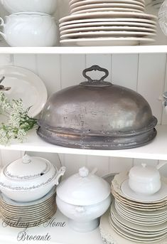 Very large antique pewter food cover. Shaw & Fishers, Sheffield. € 135,00