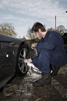 Guy Martin And His Aston Martin V12 Vantage Pictures   evo