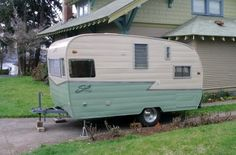 Most recent No Cost Vintage Caravans exterior Strategies Is the best caravan most chemical, simply no type? Here's reasonable in order to get some new interior. Vintage Campers Trailers, Retro Campers, Vintage Caravans, Camper Trailers, Vintage Motorhome, Happy Campers, Teardrop Camper Interior, Trailer Interior, Vintage Stoves