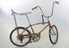 Schwinn Stingray Fastback, my first bike! Mine was Candy Apple Red. Need Someone, Someone Elses, Raleigh Chopper, Old Bikes, Cool Bicycles, Vintage Bicycles, Tricycle, Old School, Cool Stuff