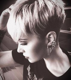 @princessstiefel #shorthair  #shorthairlove #pixiecut #undercut #hair #haircut #hairstyle