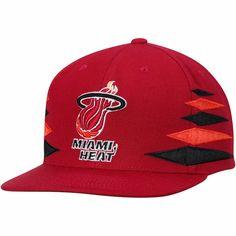 Men s Miami Heat Mitchell   Ness Red Hardwood Classics Solid Diamond  Adjustable Snapback Hat 1a0e081e14ee