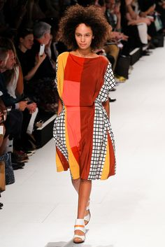 Issey Miyake Spring 2015 Ready-to-Wear - Collection - Gallery - Look 30 - Style.com