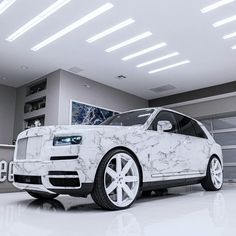 When things don't happen right away, just remember. It takes 6 months to build a Rolls Royce and 13 hours to build a Toyota. Luxury Car Brands, Top Luxury Cars, Luxury Suv, Luxury Life, Rolls Royce Suv, New Rolls Royce, Rolls Royce Cullinan, Lux Cars, Fancy Cars