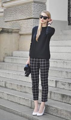 Grid pattern pants add some interest to business casual Grid pattern pants add some interest to business casual The post Grid pattern pants add some interest to business casual & womanstyles appeared first on Plaid pants . Casual Work Outfits, Business Casual Outfits, Work Attire, Cute Outfits, Office Outfits, Patterned Pants Outfit, Plaid Pants Outfit, Square Pants Outfit Casual, Fashion Mode