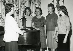 tell me these fine ladies are mary low carver, elizabeth gorham hoag, louise helen coburn, ida fuller pierce, and francis mann hall, and i'll shit.