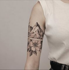 Rebellen Tattoo, Haut Tattoo, Piercing Tattoo, Arm Band Tattoo For Women, Tiny Tattoos For Women, Sleeve Tattoos For Women, Half Sleeve Tattoos, Mini Tattoos, Flower Tattoos