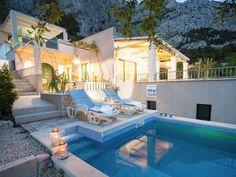 Villa Ritta with pool Makarska. Amazing garden and exterior Exterior Design, Interior And Exterior, Backyard, Patio, Private Pool, Yard Landscaping, Amazing Gardens, Beautiful Beaches, Croatia