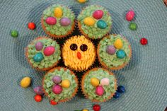 Easter Cupcakes - super adorable and EASY ways to decorate cupcakes for Easter!