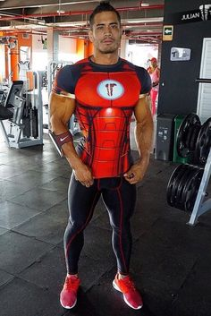 Men's Training Gear Muscle Hunks, Muscle Men, Mens Compression Pants, Lycra Men, Mens Tights, Skin Tight, Sport Outfits, Gym Outfits, Sexy Men