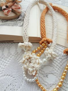 Little Treasures: Playing with Tube Necklaces Diy Things, Crochet Stitches Patterns, Stitch Patterns, Fabric Stamping, Wind Spinners, Instagram Blog, Crafty, Fabulous Fabrics, Happy Weekend