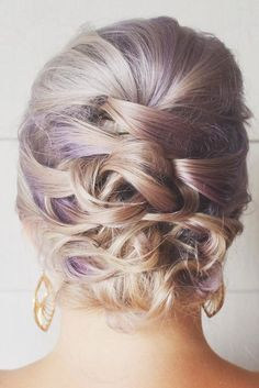 Lovely Short Hair Updos You'll Want to Wear to the Next Party ★ See more: http://lovehairstyles.com/lovely-short-hair-updos/